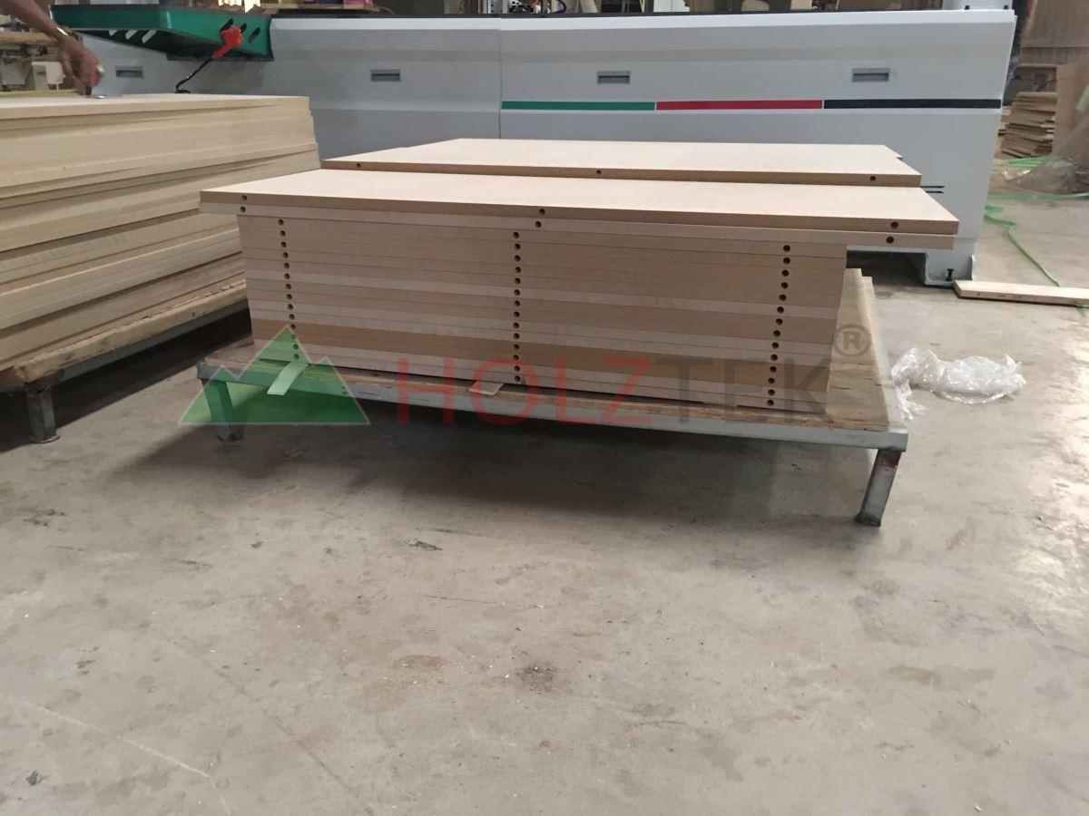 MÁY KHOAN NGANG CNC 2500MM (định vị hồng ngoại) 780
